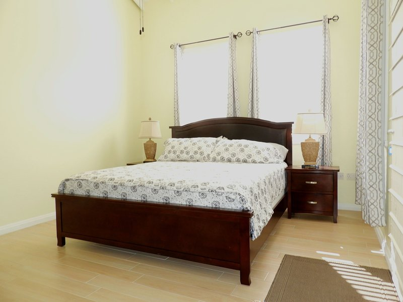 Deluxe Room - King bed-1