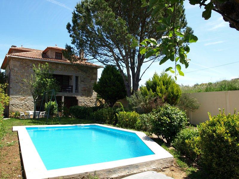 CMN17V6 Moradia simpática c/ piscina e local sosse, holiday rental in Dem