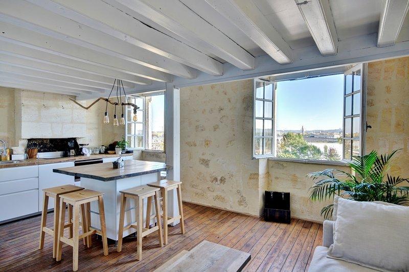 Le Secret de Bacchus-Magnifique 3 chambres vue sur la Garonne, holiday rental in Cenon