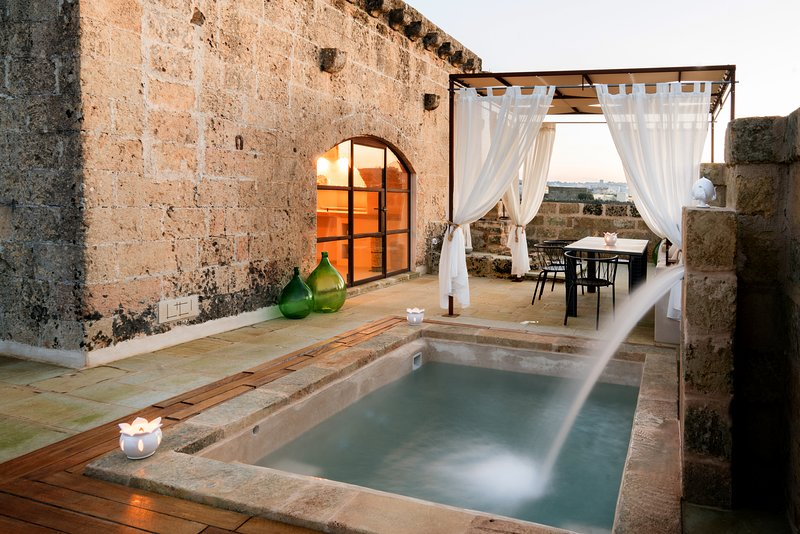 Dimora Sighé Puglia | Design Holiday Home with heated pool | Private retreat, vacation rental in Montesardo