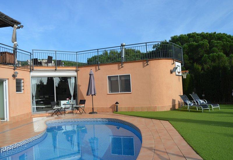 Blue Line 25KM BCN - Relax, piscina, sauna, jardín e increíbles vistas al mar., location de vacances à Sant Pere de Vilamajor