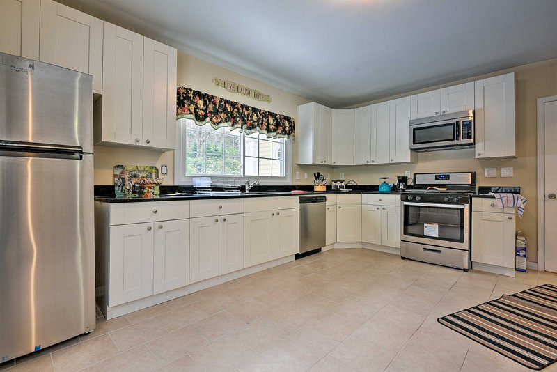 You'll find all of the comforts of home in this vacation rental!