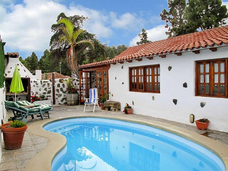 2Bedrooms house private Pool in Tenerife North, vacation rental in San Cristobal de La Laguna