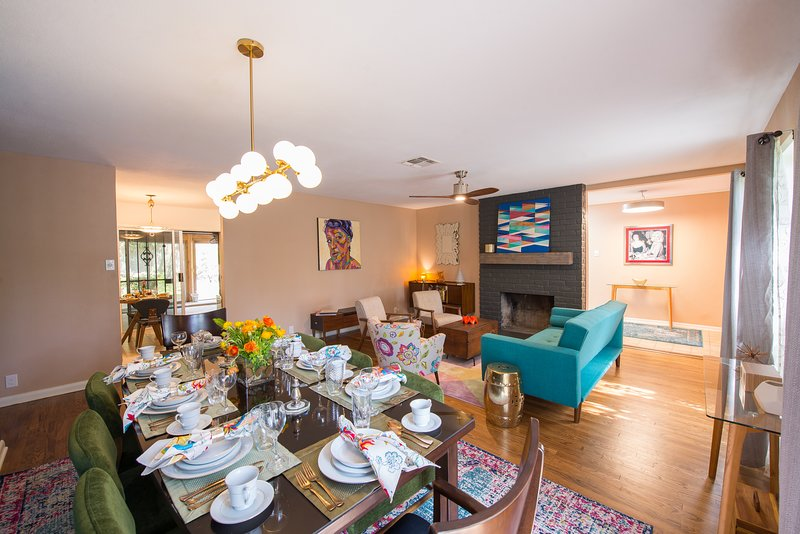 Comfortable 1950s Family House in a Park-Like Setting, holiday rental in Castle Hills