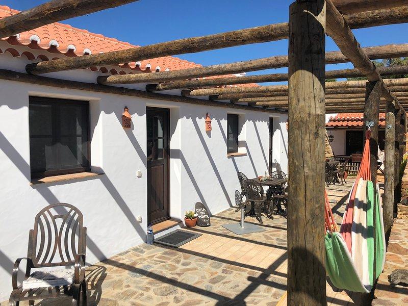 QB - Casa do Monte - Turismo rural, holiday rental in Sao Teotonio