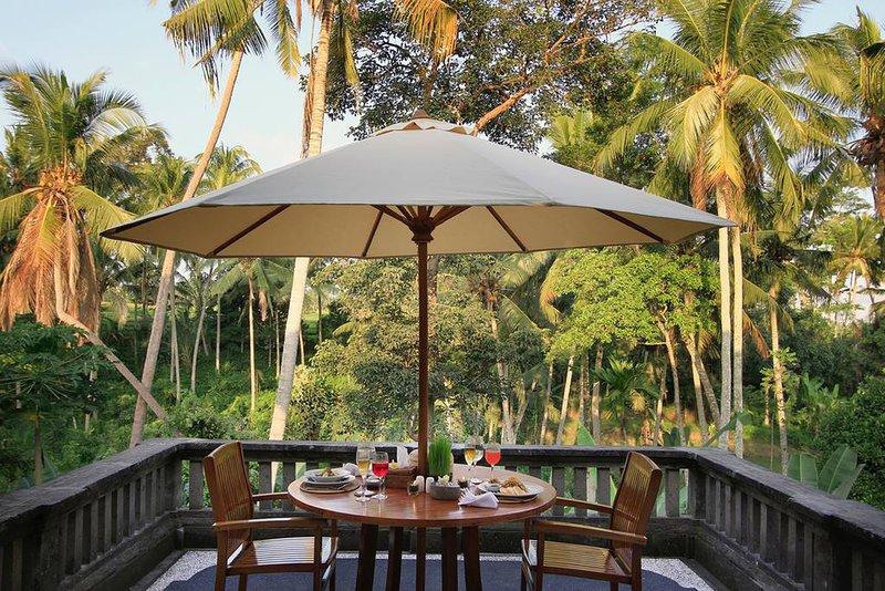 '75% OFF' Casa Priya Ubud with Rice Field & Jungle View, holiday rental in Peliatan