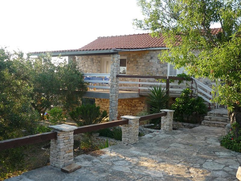 Vela Luka Holiday Home Sleeps 4 - 5471880, holiday rental in Vela Luka