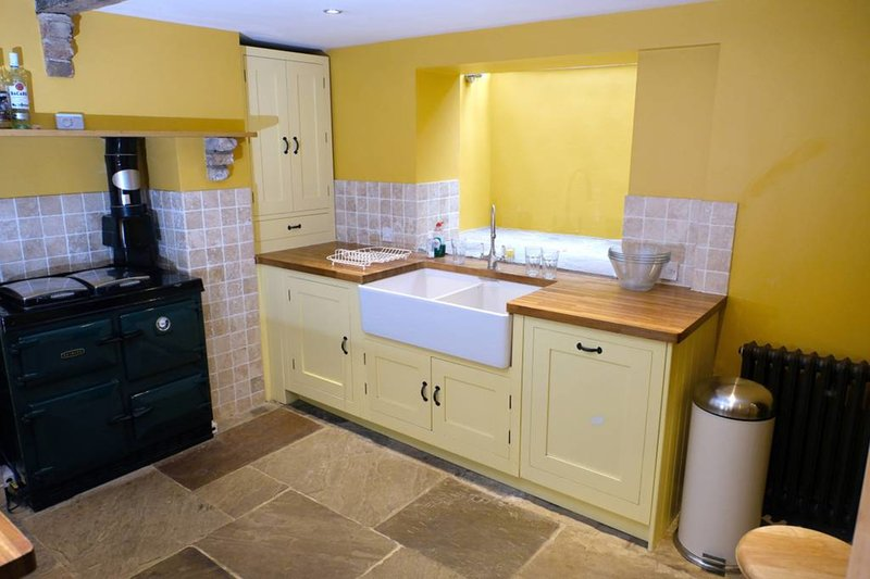 Cosy modern kitchen with aga.