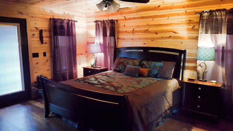 Bed,Furniture,Bedroom,Indoors,Room