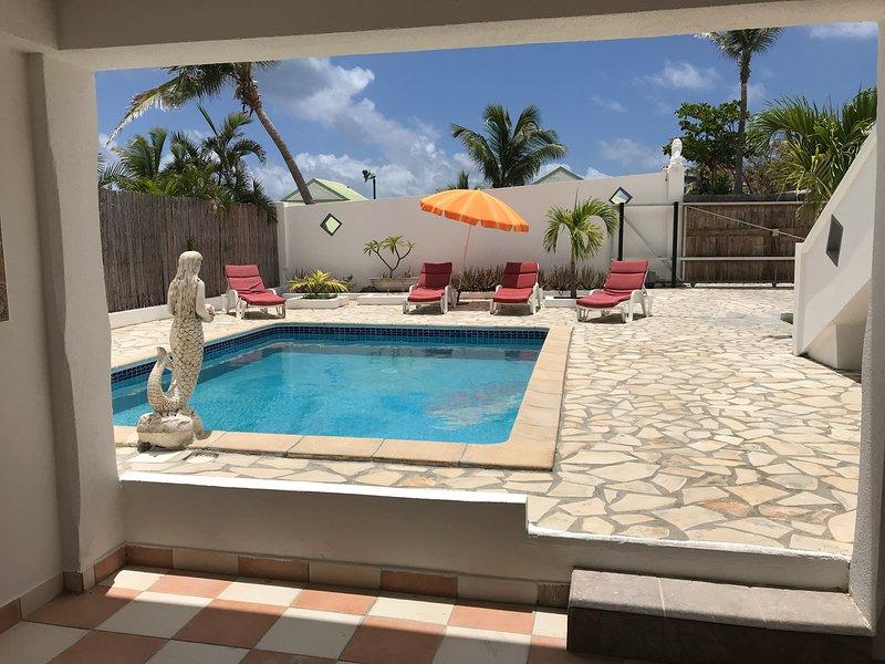 VILLA CARIBBEANSTAR 4 bed 3 bath in the heart of Orient Bay, aluguéis de temporada em Orient Bay