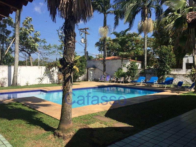 CASA DE PRAIA ACONCHEGANTE COM PISCINA E LAZER, location de vacances à Guaruja