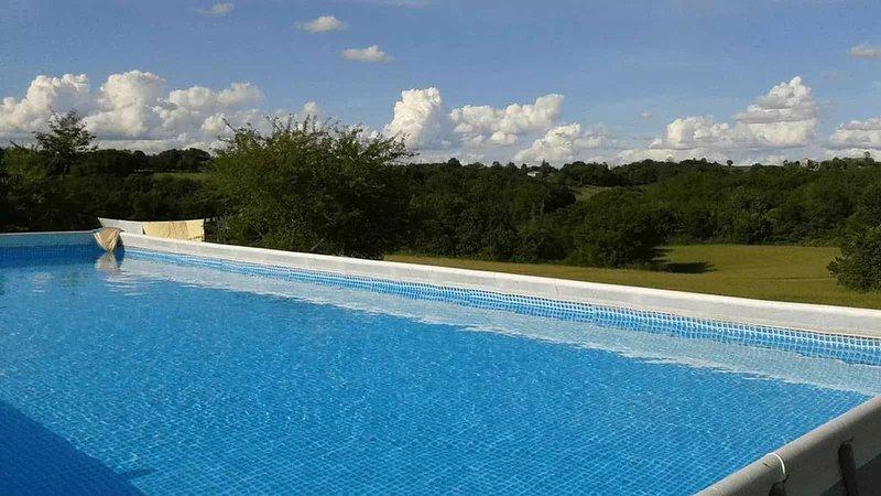 Gite 18 personnes LOT pour 4 couples et 8 ou 10 enfants, holiday rental in Tournon-d'Agenais