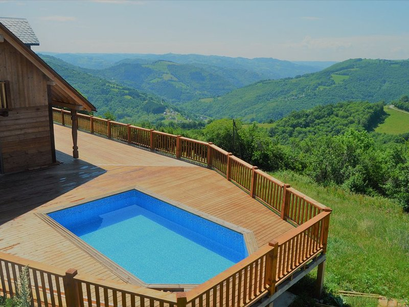 Chalet Celeste - Pool & Spa - Grand View - Nature - 8 Pers, vacation rental in Junhac
