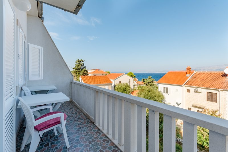 Villa Stella - Two Bedroom Apartment with Balcony and Sea View (Carla), holiday rental in Splitska