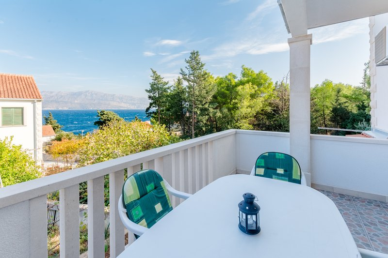 Villa Stella - Two Bedroom Apartment with Terrace and Sea View (Stella), holiday rental in Splitska