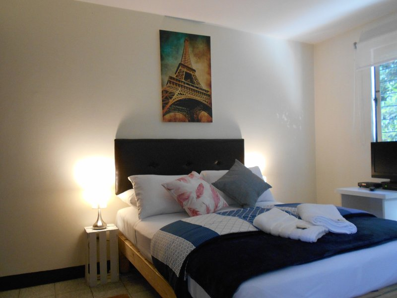 Star Apartments Reservations, vacation rental in Guadalajara