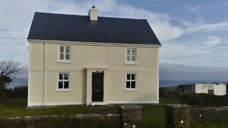 Áras Bhríde, Oatquarter, Inis Mór, Aran Islands, holiday rental in Galway