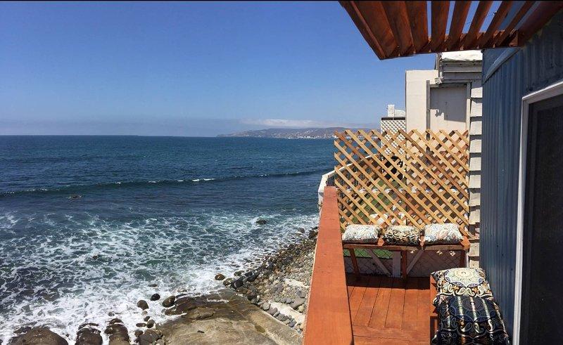 SLEEP OVER WAVES, vacation rental in Ensenada