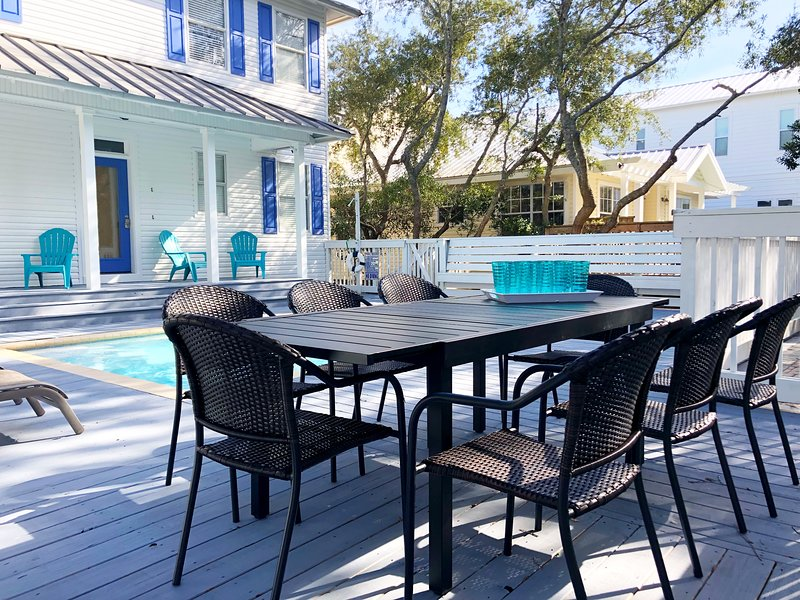 Gorgeous 6BR Crystal Beach House, 2 Min Walk To Beach, Private Heated Pool, location de vacances à Destin