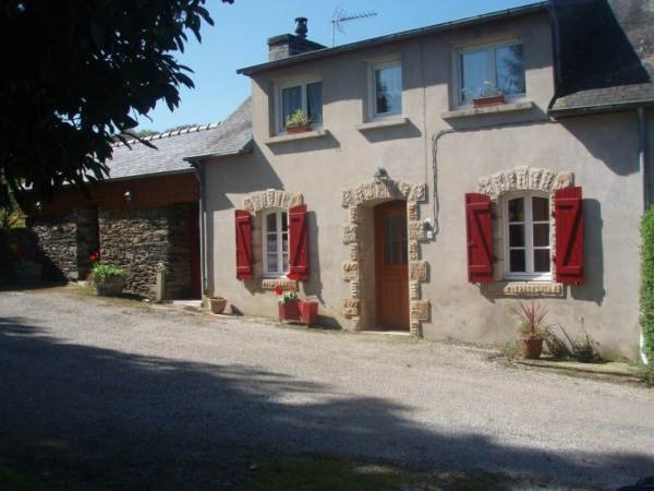 Beautiful house with terrace & Wifi, vacation rental in Briec