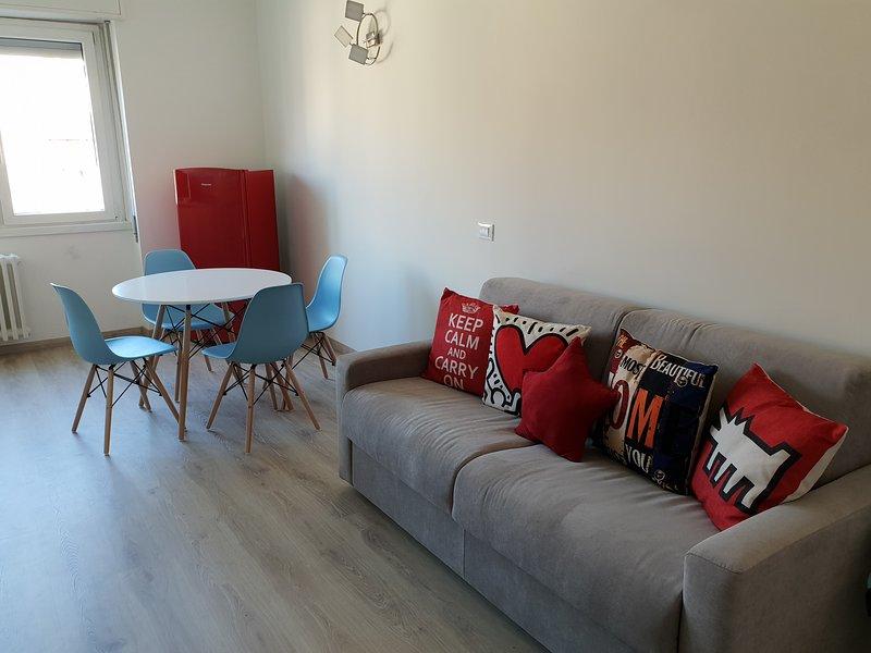 Cozy apartment recently renovated 4 pax in Milan, near Navigli area, holiday rental in Locate di Triulzi