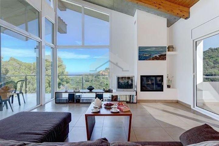 Begur Villa Sleeps 8 with WiFi - 5623029, alquiler de vacaciones en Regencós