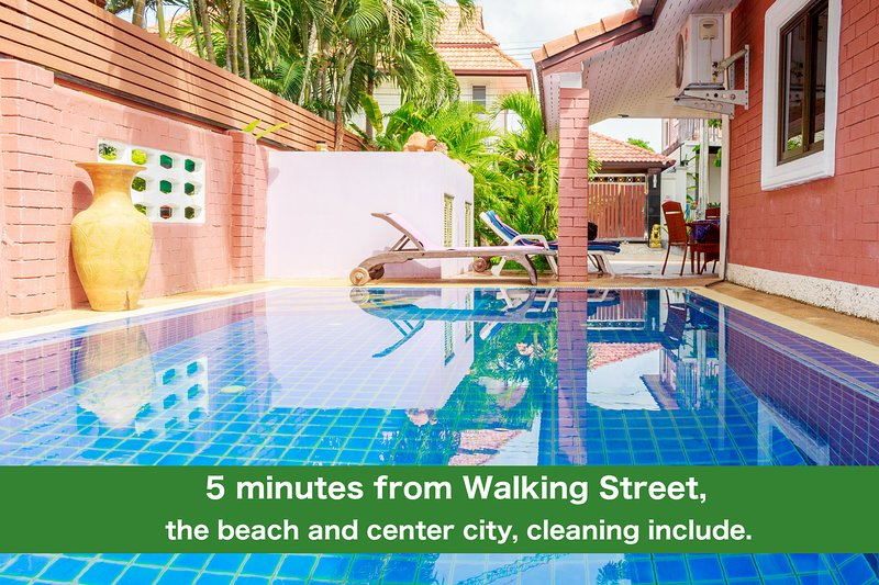 CORNER VILLA - PATTAYA HOLIDAY HOUSE WALKING STREET, holiday rental in Pattaya
