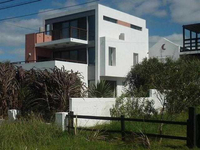 Disfruta El Momento Con Aircon Sabanas Silla De Playa Sombrilla Barbacoa Wifi, casa vacanza a Rocha