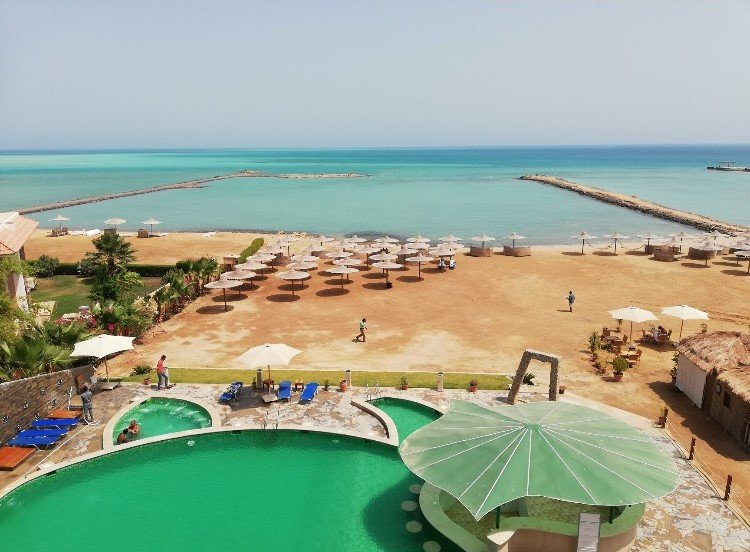 Apartment With Direct Access to Private Beach, alquiler vacacional en Hurghada