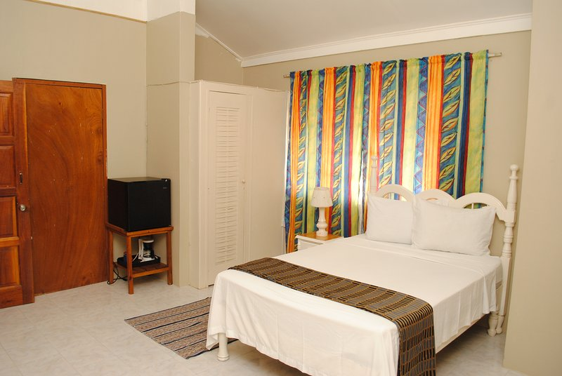 CHILL OUT AT MOON RISE, vacation rental in Negril