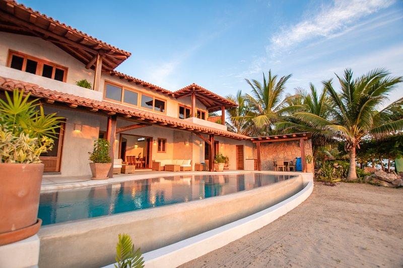 La Nueva, New and Custom Built Luxury Villa on the Beach!, holiday rental in Troncones