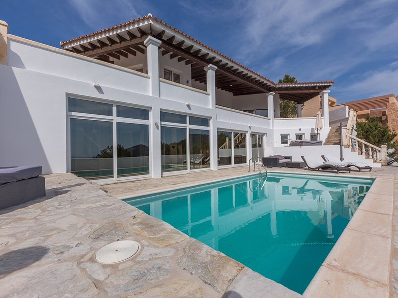 Stylische Villa in CalaCarbo 109, holiday rental in Cala Carbo
