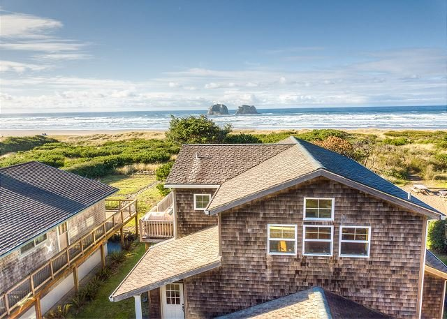 TWIN ROCKS HAVEN - NEW OCEANFRONT LISTING-Gorgeous views of the Pacific Ocean, location de vacances à Rockaway Beach