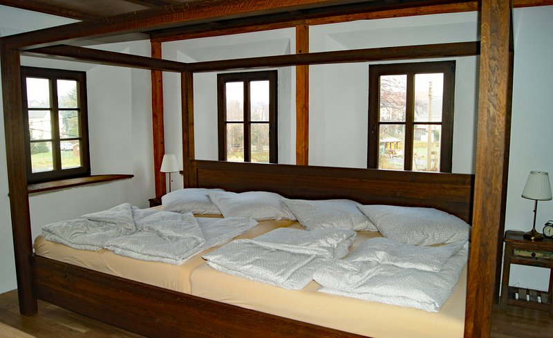 Large 3,60 m family bed for 4 persons