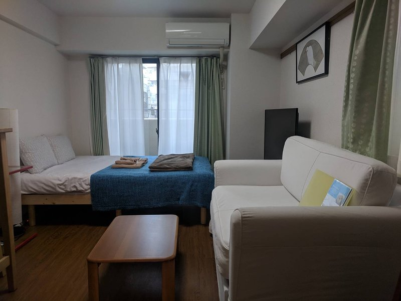 Newly remodeled Flat in the Heart of Shimokitazawa, vacation rental in Hino