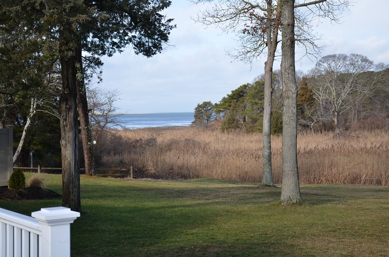 Sunset Bay Villa Waterview, Sunsets, Fire Pit, Kayaks, Bikes, Hot Tub, Nature Tr, holiday rental in Yarmouth Port