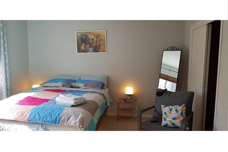 Eddi Home Studio#3, holiday rental in St. Albert