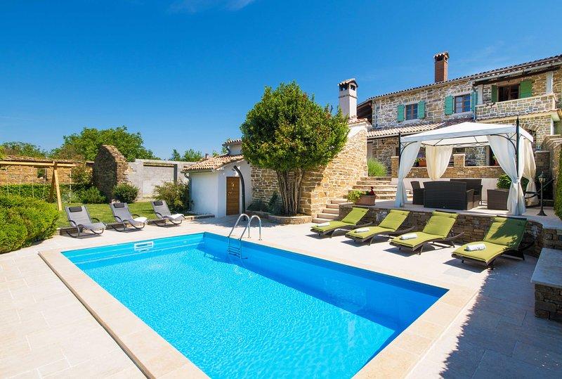 Villa with private pool in Pazin (Villa Mario), vacation rental in Pazin