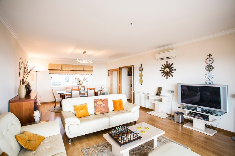 Luxury 2BR Beach Apartment | The Ericeira Edition, holiday rental in Santo Isidoro