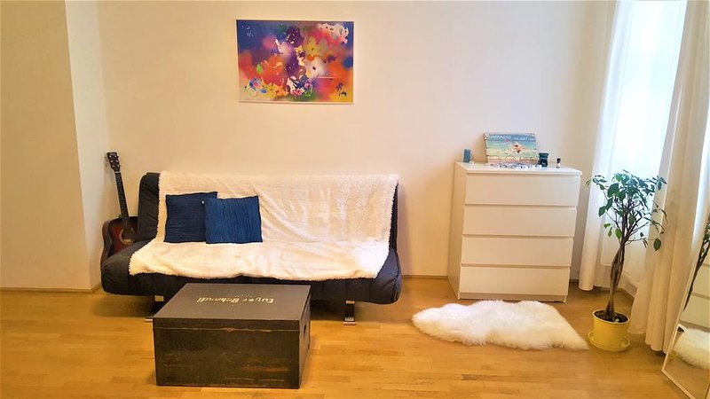Cosy apartment near Mariahilfestrasse, holiday rental in Vienna
