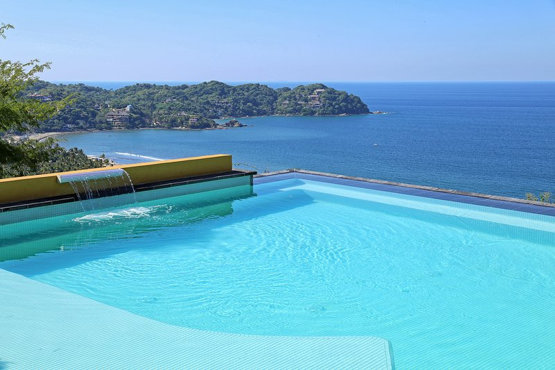 Ultimate Villa Sayulita! Upto 7 bdrms w/ Golf Car, holiday rental in Sayulita