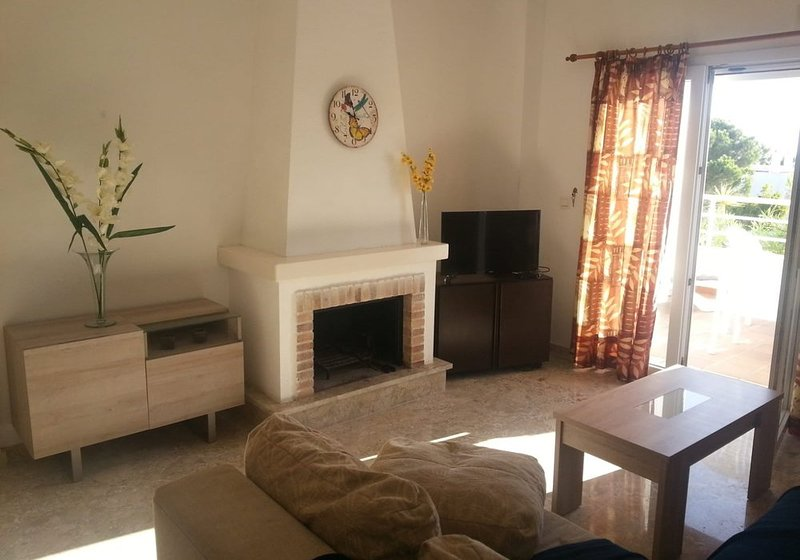 Spacious 3 bedroom apartment  very close to the beach., holiday rental in Mojacar Playa