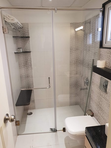 Another attached washroom. 24hours Hot/cold running water with latest faucets.