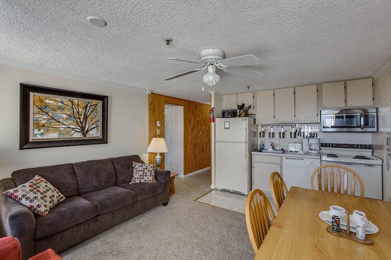 Modern Kitchen and Cozy Dining Corner