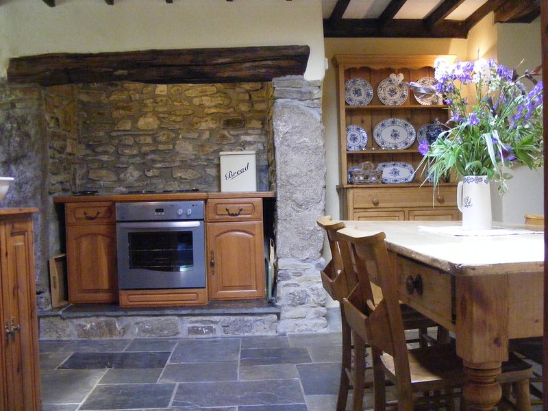 Roundhouse, West Tremaine Self Catering Holiday cottage, holiday rental in Kennards House