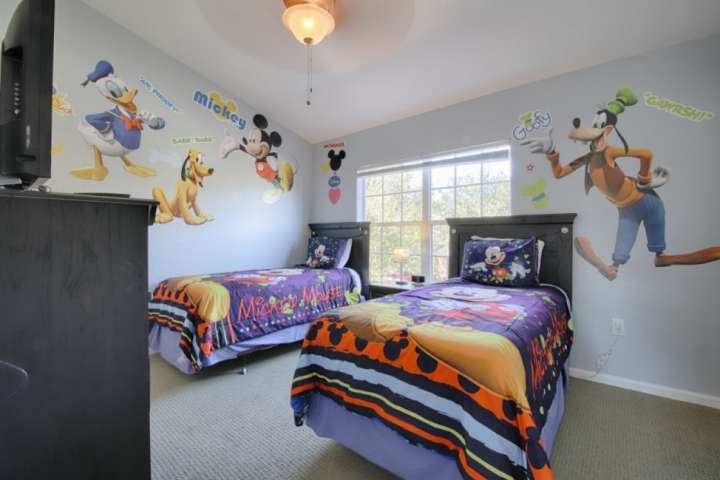 Fun Twin 'Disney' Room w/Flat Screen TV