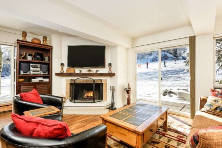 Skiers and non-skiers both will enjoy the access and view of the ski slopes from the comfort of the living room.