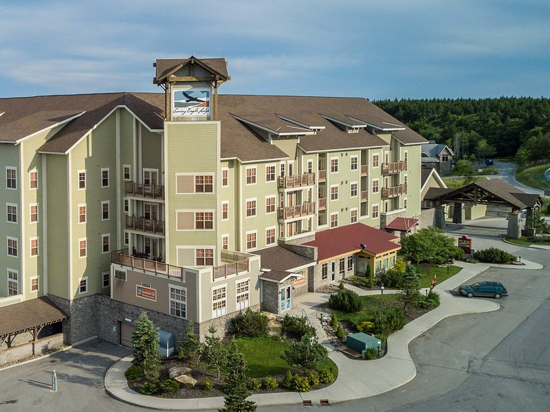 Soaring Eagle 204:  6 Bedroom exceptional accomodations in Snowshoe's over the top premier lodging location.   We welcome you !
