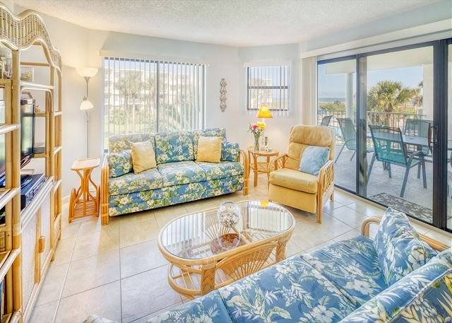 Ocean View Condo Overlooking Pool at Colony Reef Club - 1208, casa vacanza a Saint Augustine