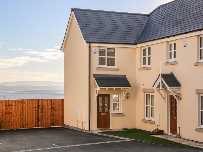 SHORE VIEW, sea views, in Grange-over-Sands, vacation rental in Kents Bank